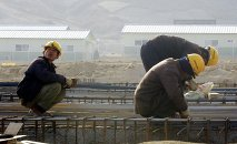 North Korean workers construct a factory in the Kaesong Industrial Complex, north of the inter-Korean border, North Korea (file photo)