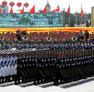 China's 2015 defense budget will increase 10% over the previous year, a continuation of a years-long expansion of the military and increased investment in high tech equipment.