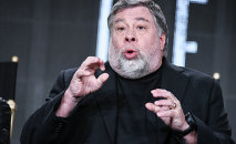 Apple co-founder Steve Wozniak has openly expressed his admiration for NSA leaker Edward Snowden, marvelling that he gave up his own life . . . to help the rest of us.