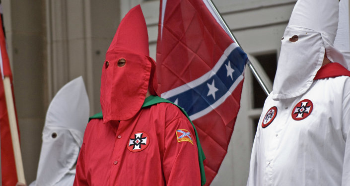 KKK Gets Go Ahead for Cross-Lighting Pro-Confederate Flag Rally in South Carolina