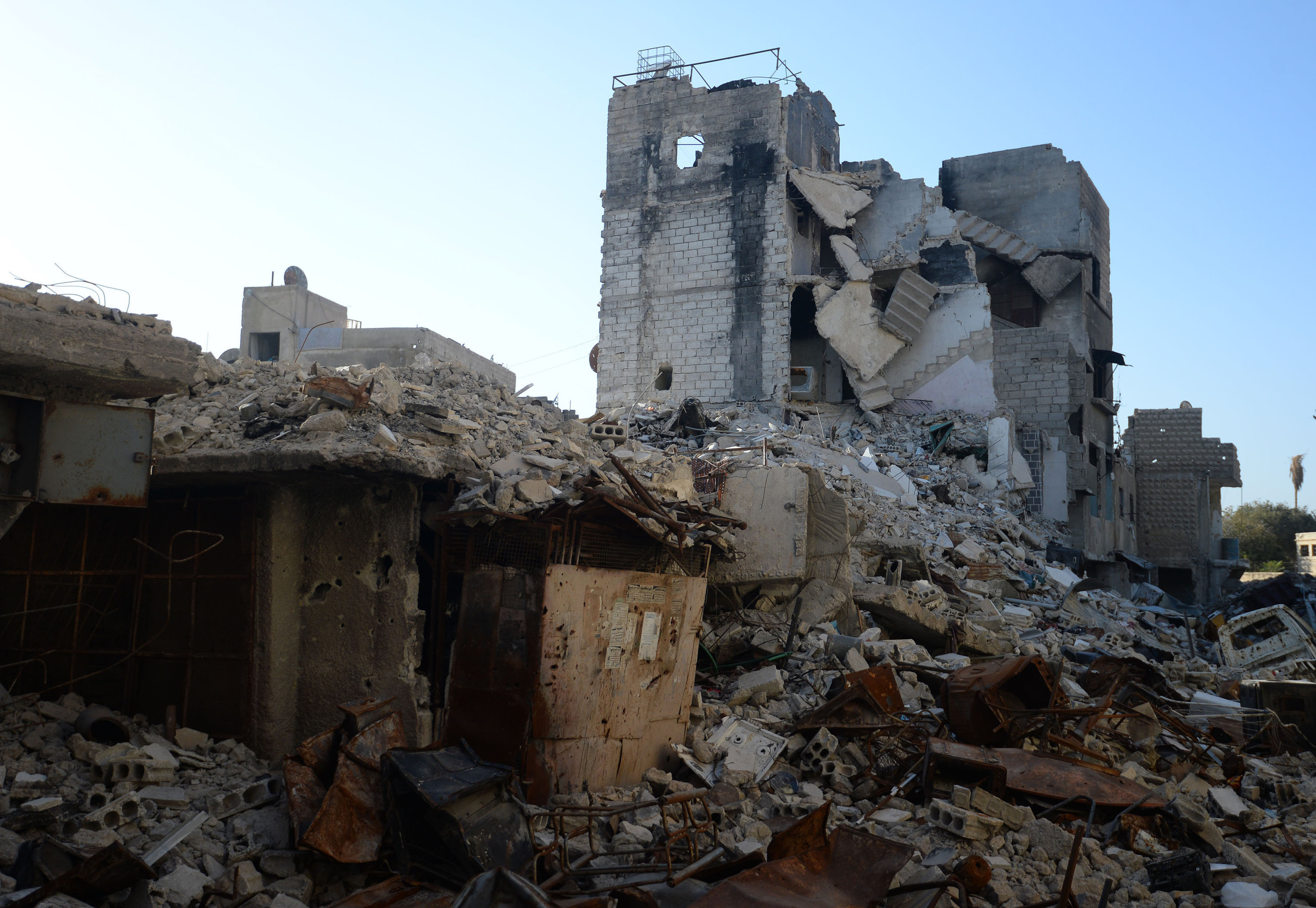 Destroyed buildings in Dahaniya, Damascus.