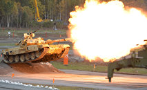 Т-90А tank during demonstration firing