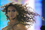 Beyonce gives concert in Moscow