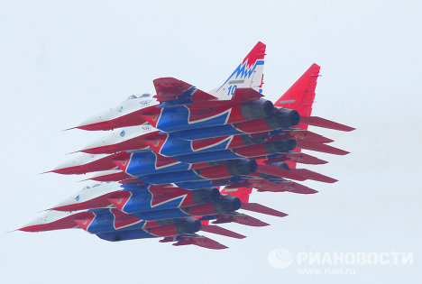 Strizhi aerobatics team marks 20 years in the clouds