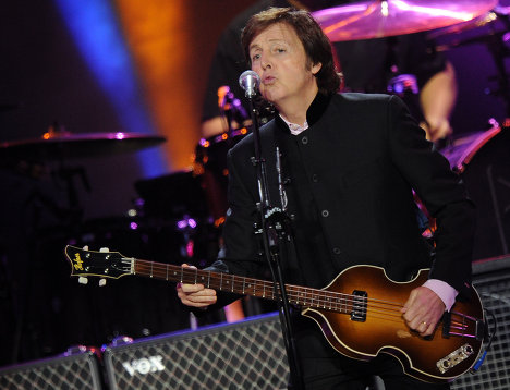 Paul McCartney performs live in Moscow