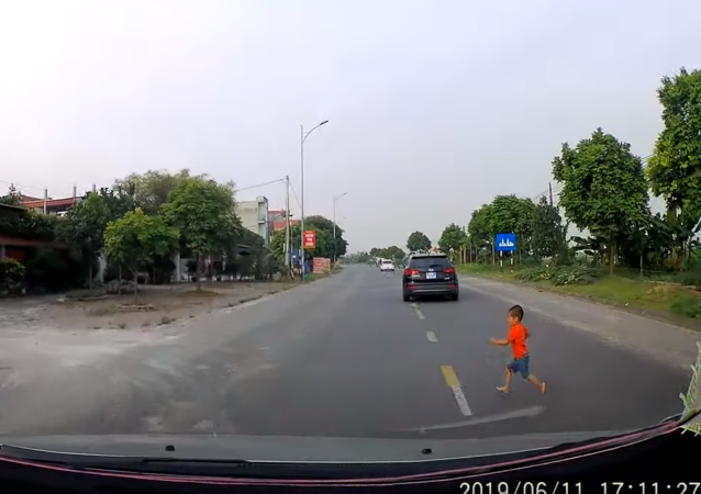 Alert Motorist Saves Child From Certain Death