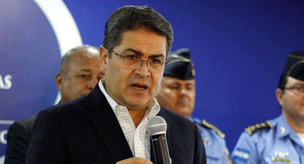 Honduras' President Juan Orlando Hernandez speaks during a news conference at the Presidential House in Tegucigalpa, Honduras