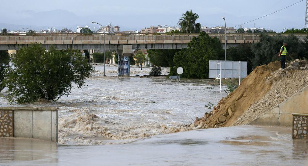 Torrential rains hit southeastern Spain