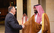 U.S. Secretary of State Mike Pompeo shakes hands with Saudi Arabia's Crown Prince Mohammed bin Salman in Jeddah, Saudi Arabia, September 18, 2019. Bandar Algaloud/Courtesy of Saudi Royal Court