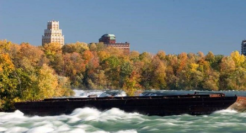 Boat stuck above Niagara Falls since 1918 dislodged