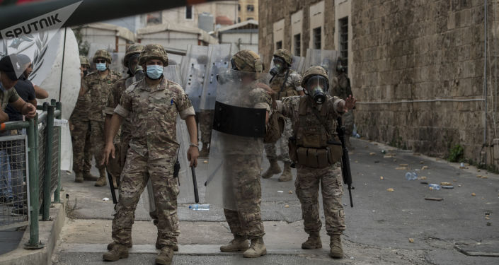 Videos Show Military Trying to Maintain Order in Beirut Amid Anti-Govt Protests