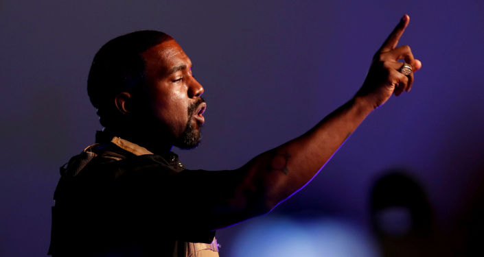 Netizens Worried About Kanye West's Mental Condition as Rapper Calls Himself 'Baby Putin'