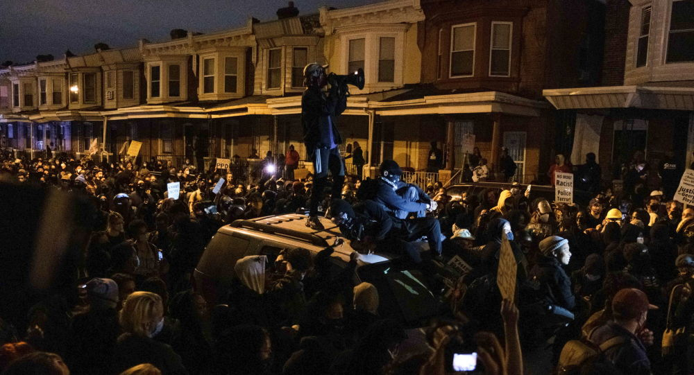 Russian TV Crew Attacked in Philadelphia Amid Unrest Over Police Shooting of Armed Black Man