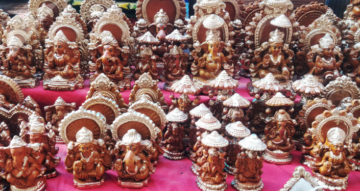 Pandemic Blues: Flagging Sales Rob Potters & Clay Lamp Craftsmen of Diwali's Lustre
