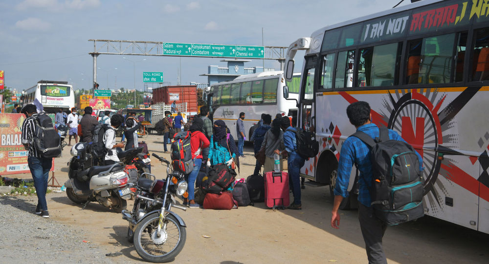 More Indians Plan Move Abroad to Flee Country's Coronavirus Crisis