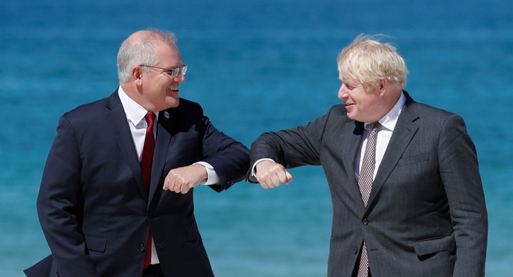 Speculations Run Amok as Johnson Crashes 'Awkward One-on-One' Meeting Between Biden and Morrison