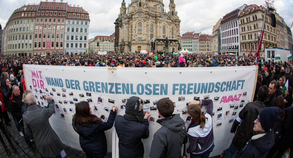 The Dresden Avaaz 'Wall of Love'