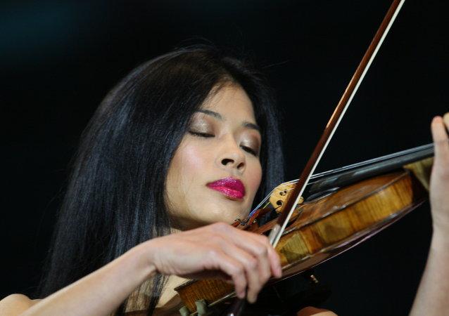 Скрипачка Ванесса Мэй