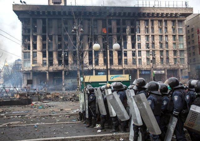 Police in Maidan square in Kiev, Ukraine, Feb 19, 2014