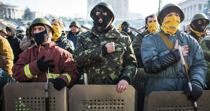 Maidan 'self-defense' fighters in Kiev's Independence Square