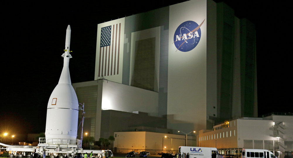 spaceship orion nasa mulls adding crew to orion spaceship on first launch with new