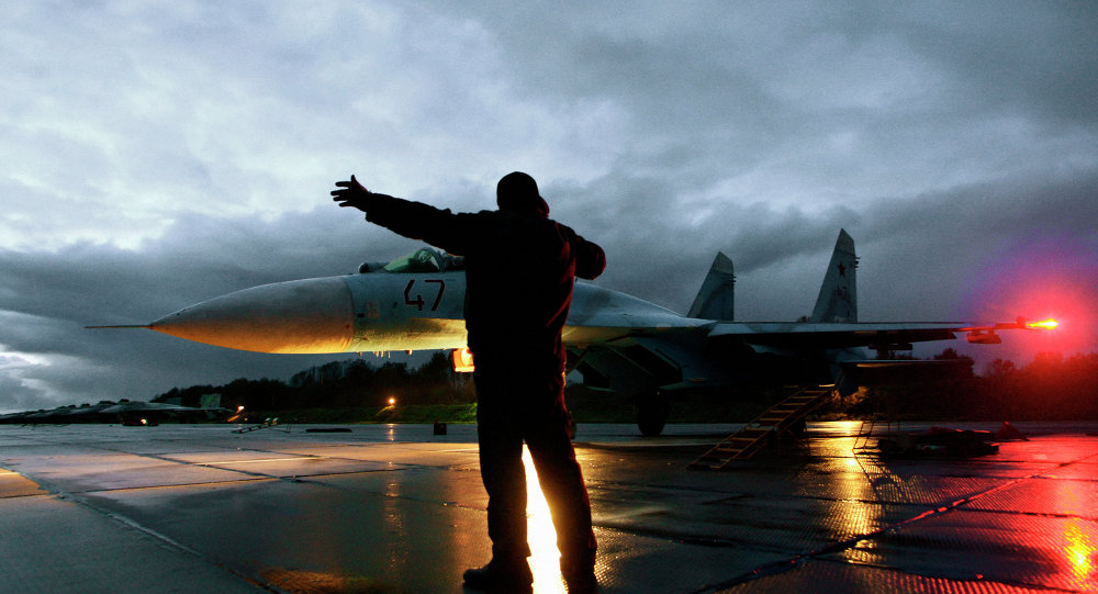 Flying Su-27 fighters in the Kaliningrad region