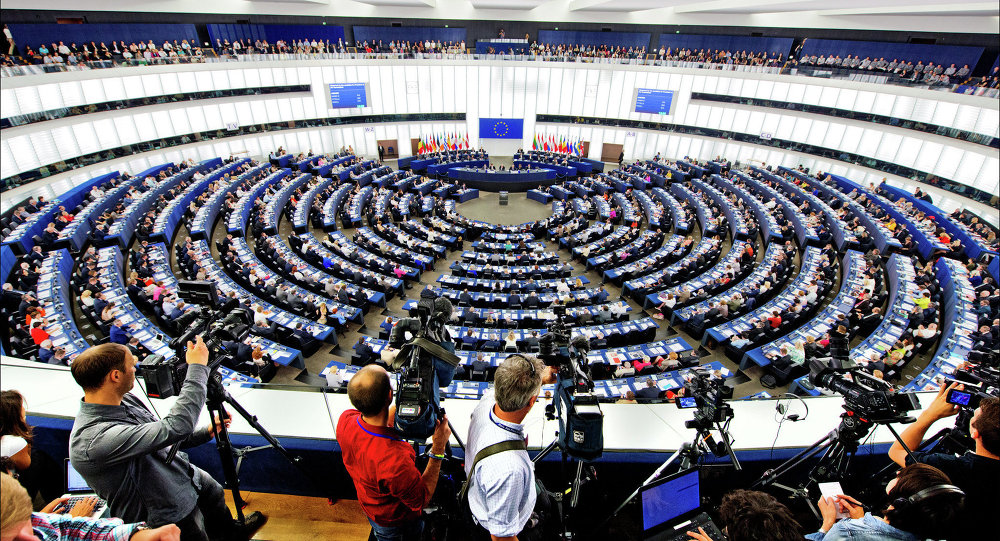 The European Union must keep the sanctions against Russia in place and adopt benchmarks that would allow them to be lifted, the European Parliament said in a press release
