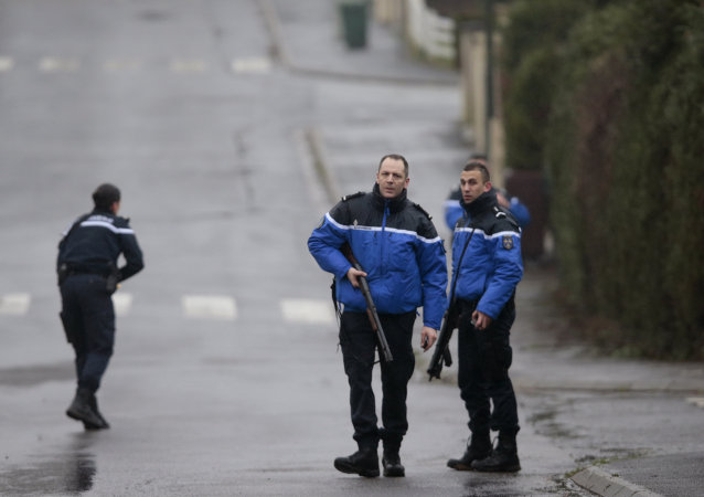 French police and gendarmes patrol in Dammartin-en-Goele
