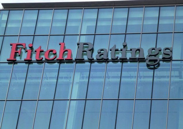 The Western press is full of Schadenfreude directed towards Russia: in the beginning of January, US-based Fitch Ratings decreased Russia's rating from BBB to BBB-. Standard& Poor's (S&P) generously gave Russia's sovereign debt a BB+ rating, just below investment-grade level, which would signal less risky investment opportunities.