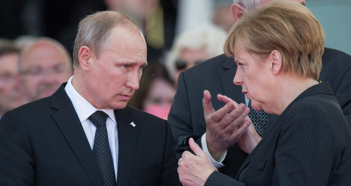 Russian President Vladimir Putin and German Chancellor Angela Merkel