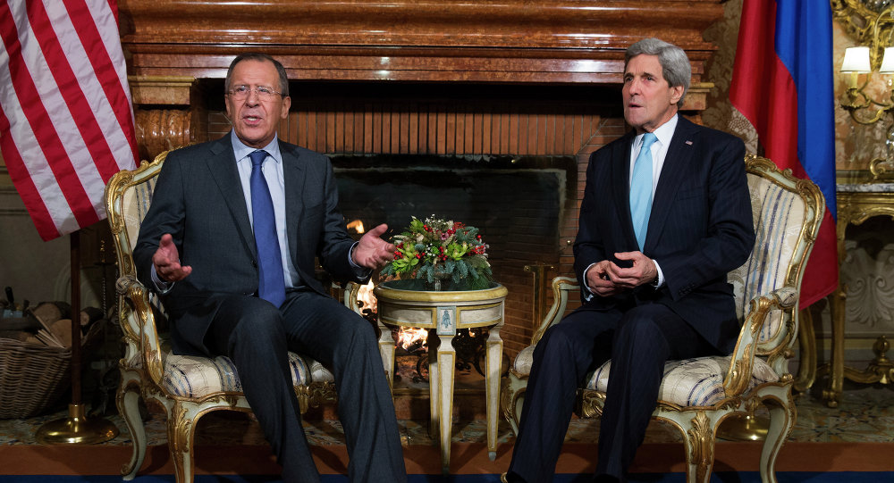 Secretary of State John Kerry, right, and Russian Foreign Minister Sergei Lavrov