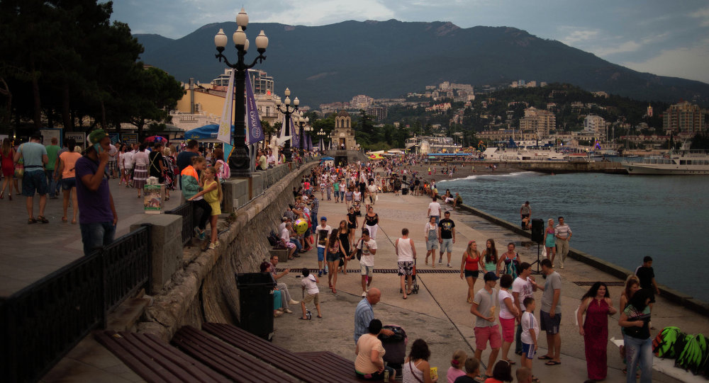 Vacationers on the sea shore in Yalta