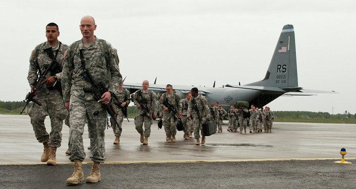 U.S. Paratroopers arrive in Estonia for NATO training