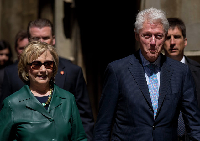 As US prosecutors consider filing criminal charges against UK-based HSBC for aiding tax evaders, several major donors to a Clinton-family foundation are revealed to have ties to the bank's controversial Swiss division.