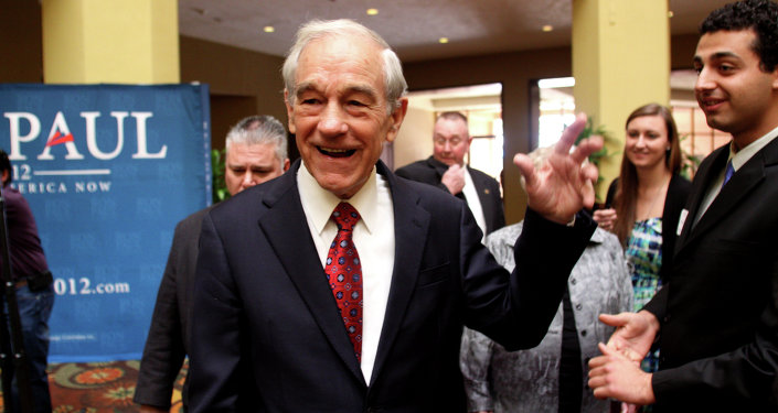 Ron Paul addresses supporters in Arizona.