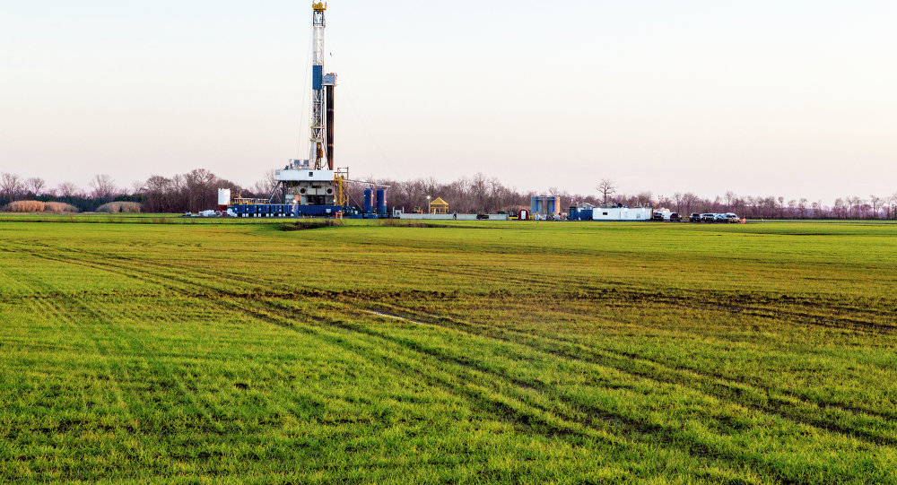 CBD is suing the California Division of Oil, Gas and Geothermal Resources for resuming hydraulic fracturing.