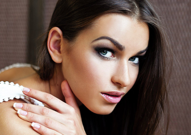 Anna Duritskaya poses for a photo for a modeling portfolio in Kiev. (File)