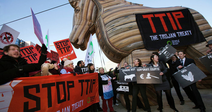 © FLICKR/ GLOBAL JUSTICE NOW, Over 1,5 Mln Europeans Sign Petition Against TTIP