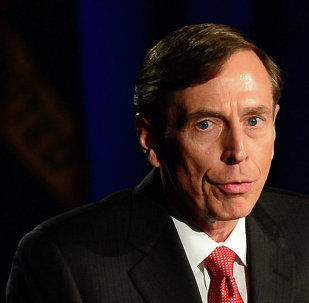 Former CIA director David Petraeus addresses a University of Southern California event honoring the military on March 26, 2013 in Los Angeles, California