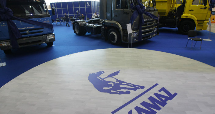 Russian truck manufacturer KamAZ is working on the development of autopilot technology, with heavy duty testing set to begin at a Moscow test track in June.