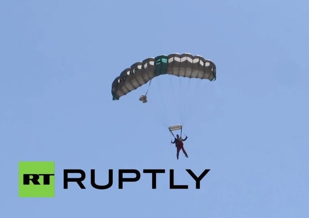 Granny jumps out of plane for 100th birthday
