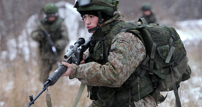 A soldier demonstrates the Ratnik Soldier Combat Equipment Set during a military exercise at Alabino range, Moscow Region. file photo