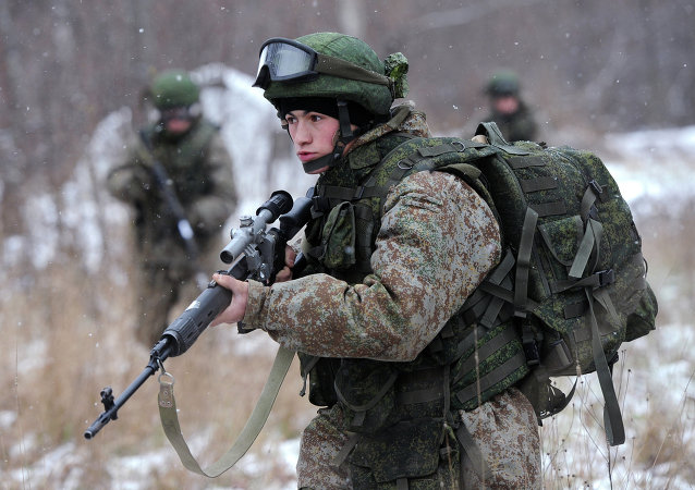 A soldier demonstrates the Ratnik Soldier Combat Equipment Set during a military exercise at Alabino range, Moscow Region