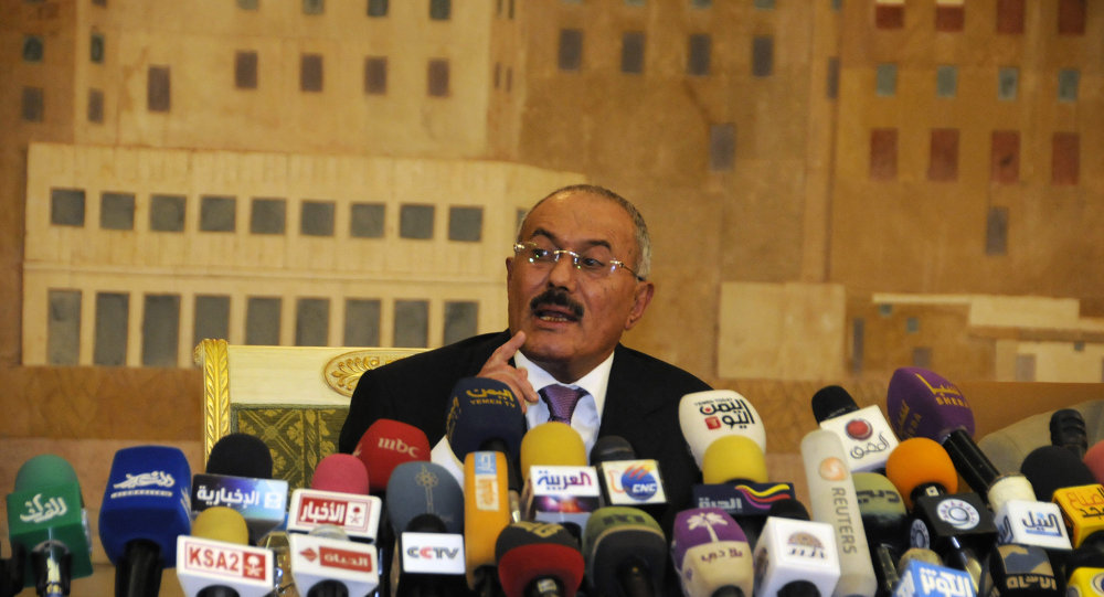 Yemen's Ex-president Ali Abdullah Saleh speaks to reporters during a press conference at the Presidential Palace in Sanaa, Yemen. File photo