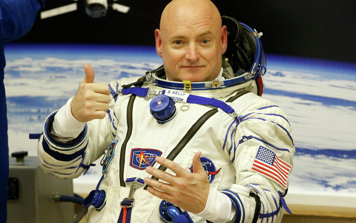 mike kelly astronaut - photo #16