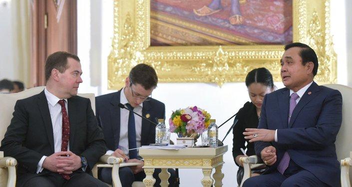Dmitry Medvedev and Prayut Chan-o-cha