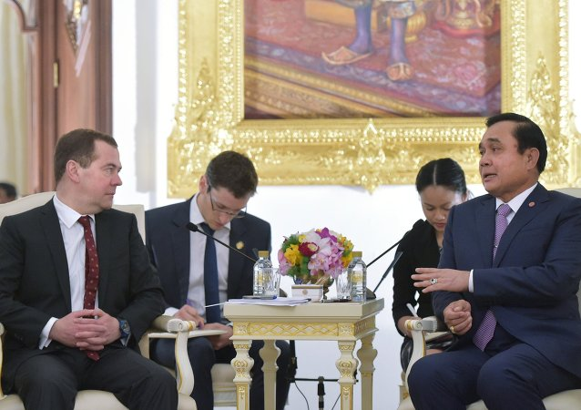 Dmitry Medvedev and Prayut Chan-o-cha