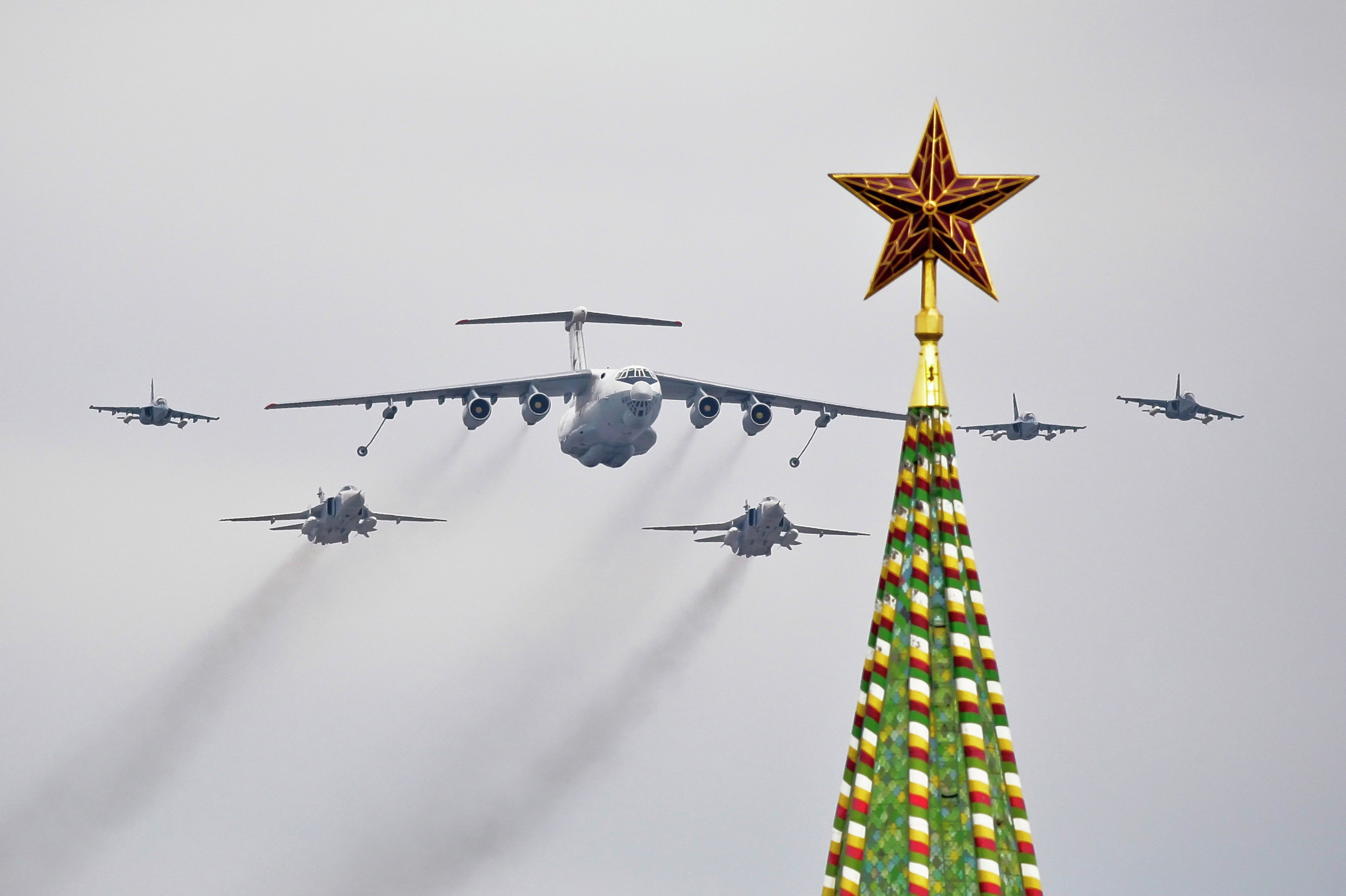 Russia's Air Force rehearses for May 9 Victory Day parade air show