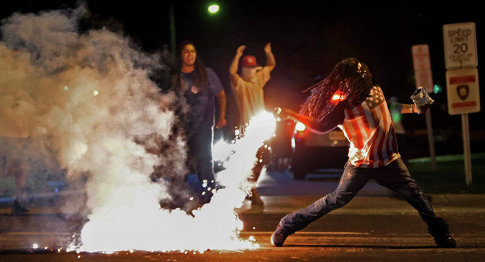 Ferguson, Missouri protest leader Darren Seals found shot dead in burning car
