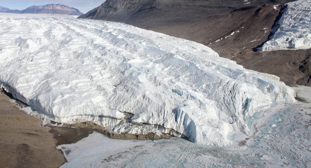 Taylor Glacier, Antarctica